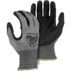 Foam Nitrile Palm Dipped Cut Resistant Glove